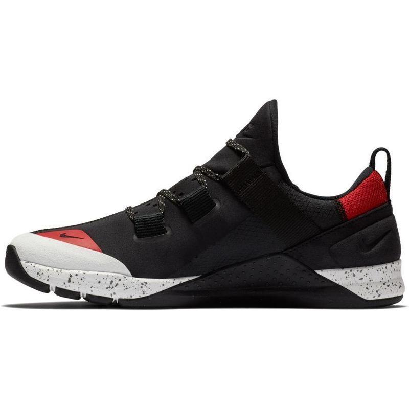 Nike Tech Trainer Sepatu