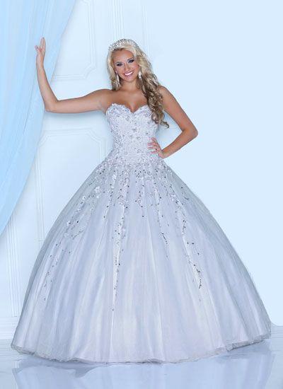 Modelos de vestidos de 15 blancos