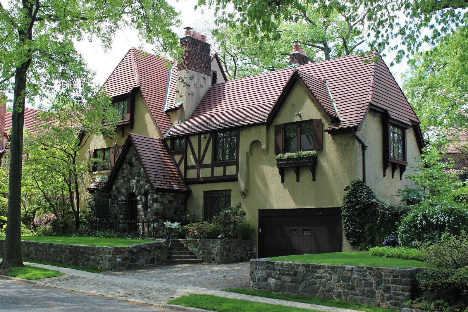 2001584399c7660de1757be07ce31601 - Forest Hills Gardens Real Estate Sotheby's