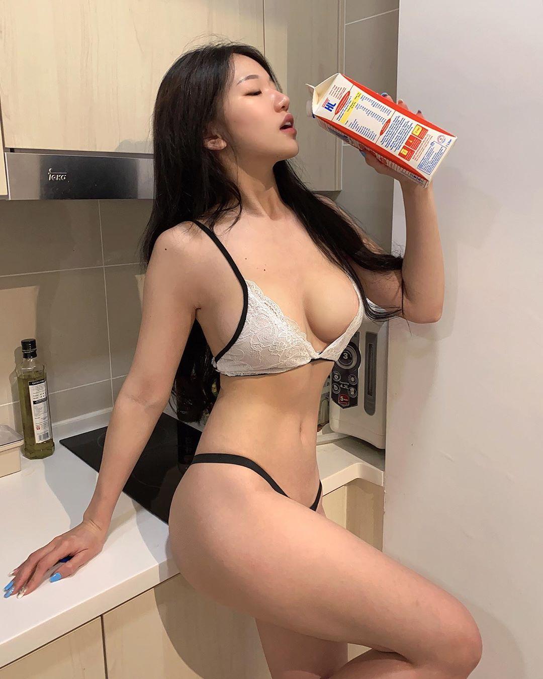 Asian Hot Girls Instagram
