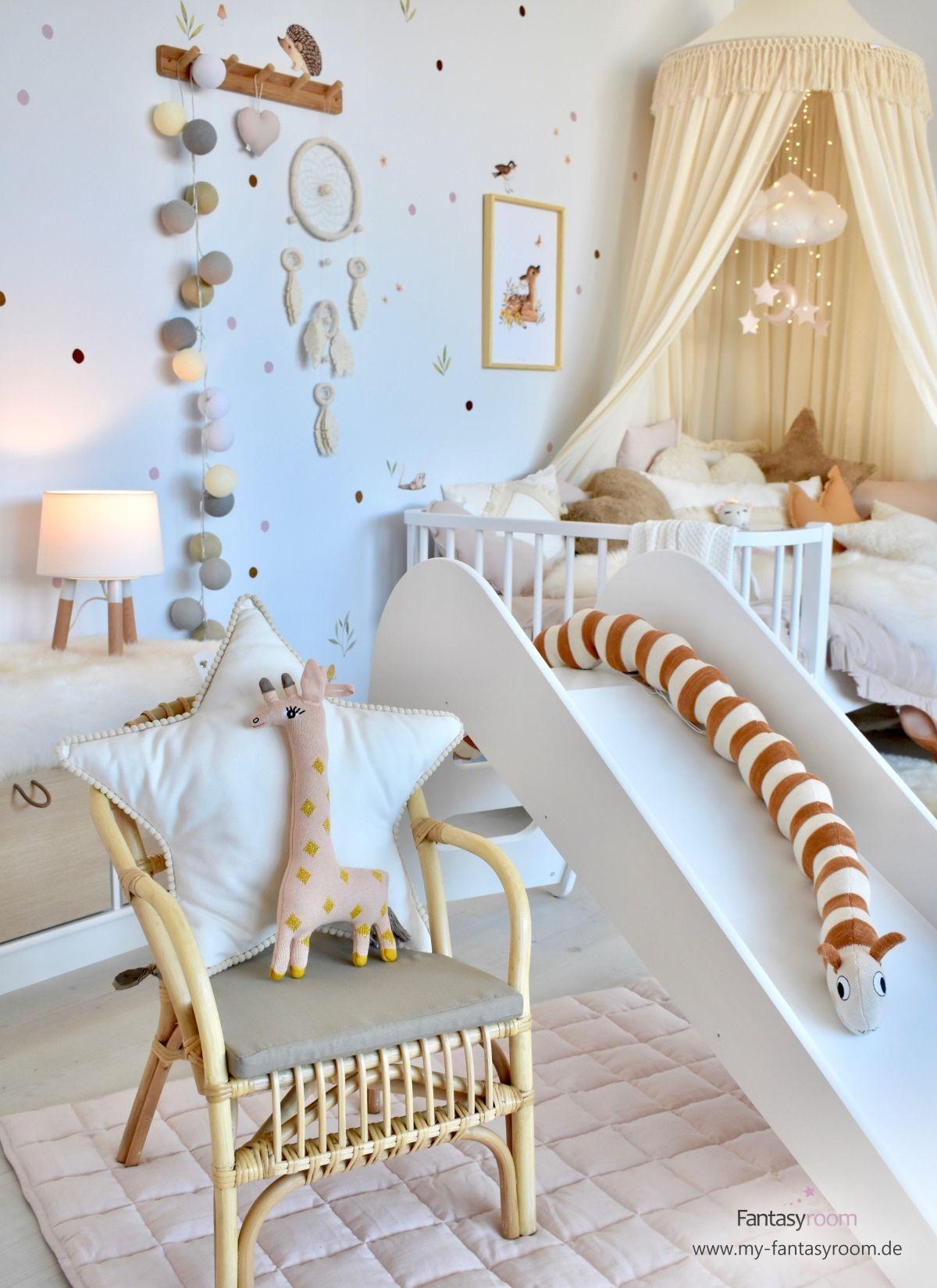 Mädchenzimmer mit Waldtieren bei Fantasyroom online kaufen