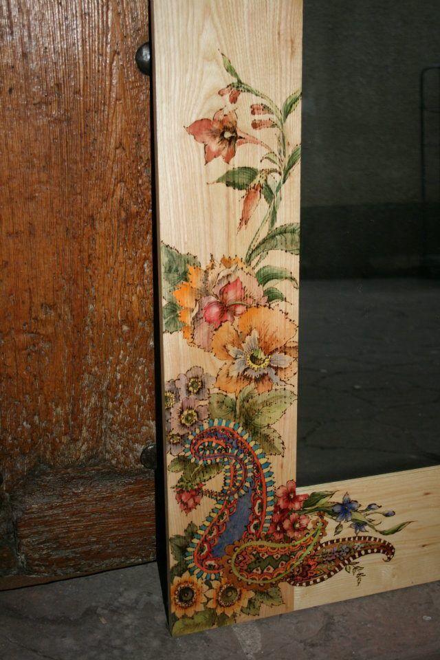 Marco de espejo pirograbado y pintado a mano con acuarela . Pieza ...