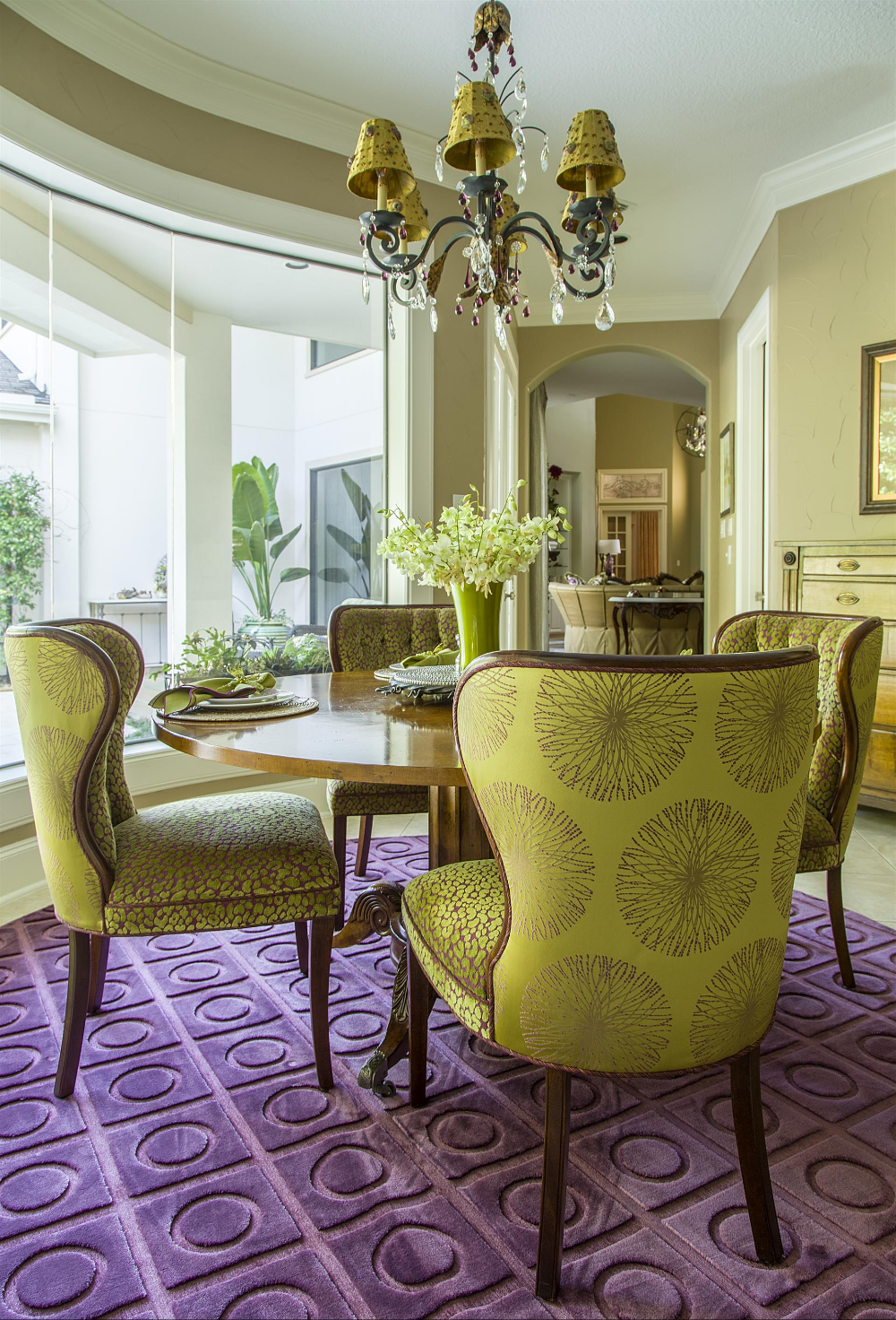 Striking Spunky And Sophisticaedby Design Interiors Houston Created Amazing Spaces With Vi Interior Design Dining Room Interior Design Office Furniture Design
