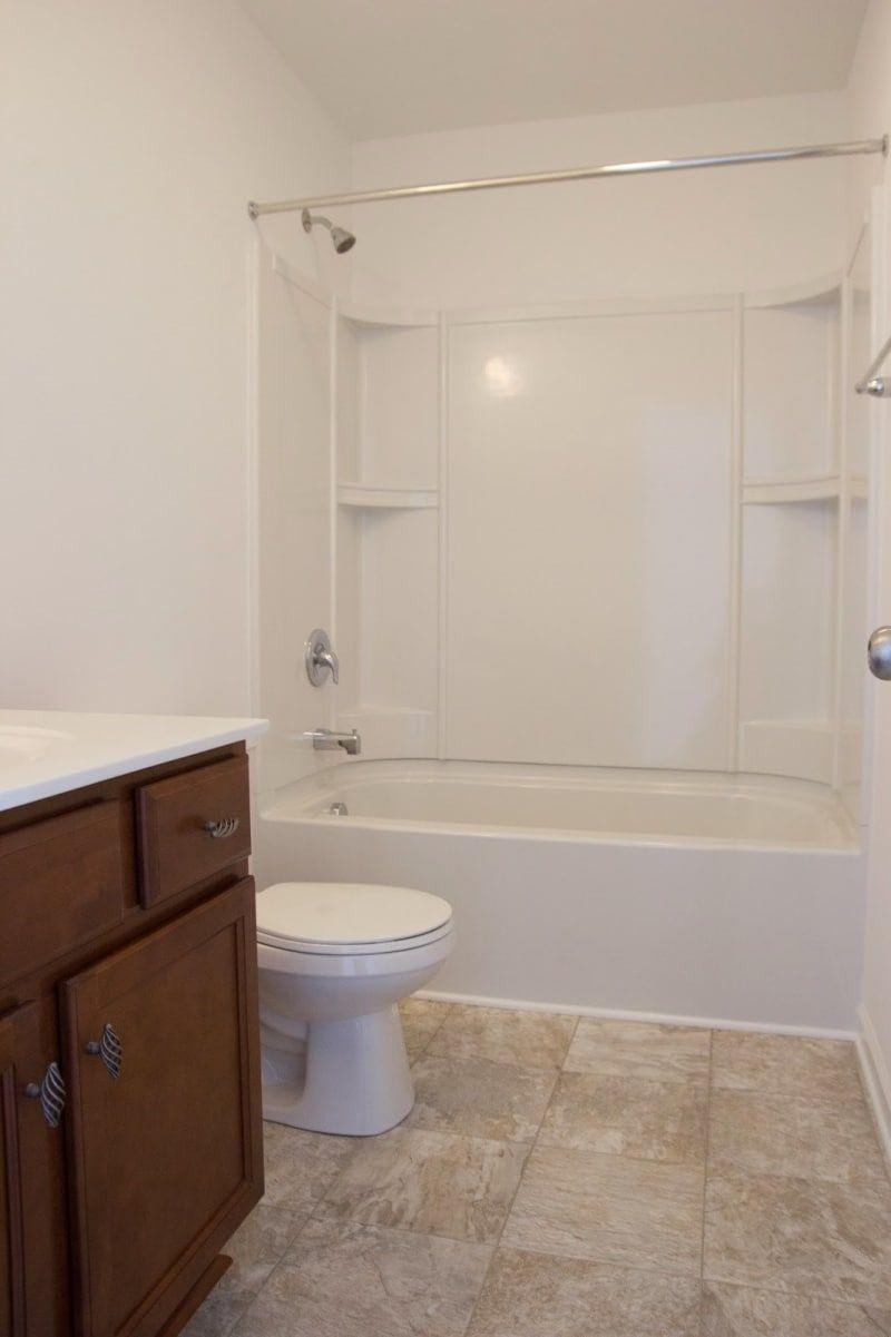 21 Cheap Ways To Make Your Bathroom Feel Like A Freakin\' Palace ...