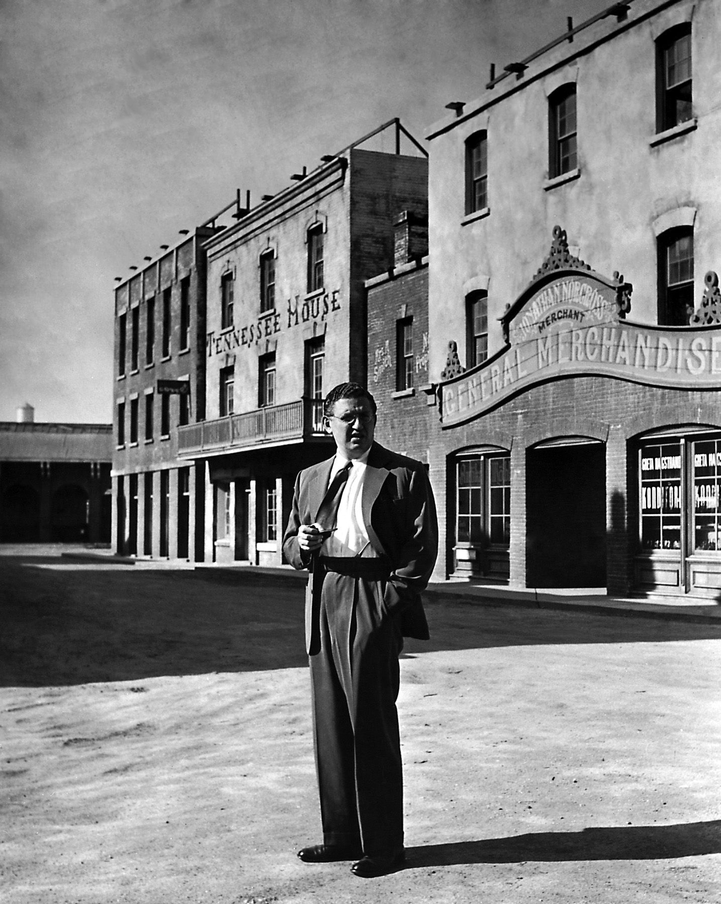 David O. Selznick on the set of Gone with the Wind (1939)