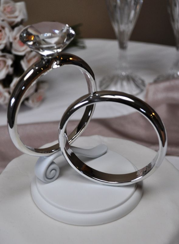 Wilton Two Rings Cake Topper With Images Wedding Rings Unique
