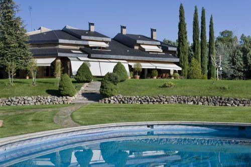 Casas de lujo en madrid casas maravillosas pinterest for Mansiones de lujo en madrid
