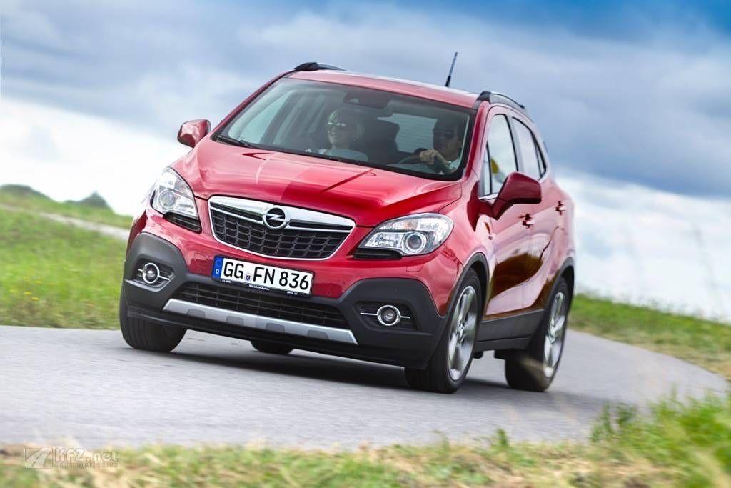 Opel Mokka Bilder. Der Opel Mokka trifft den Geschmack der Kunden. Zum Marktstart liegen für den SUV europaweit bereits mehr als 40.000 Bestellungen vor.