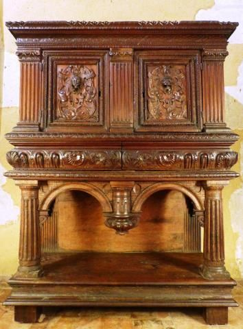 Toutes Nos Antiquites A Vendre Objets D Art Mobilier Meuble Gothique Renaissance Louis Xiii Xiv Antiquites A Vendre Meuble Gothique Decor Italien Renaissance