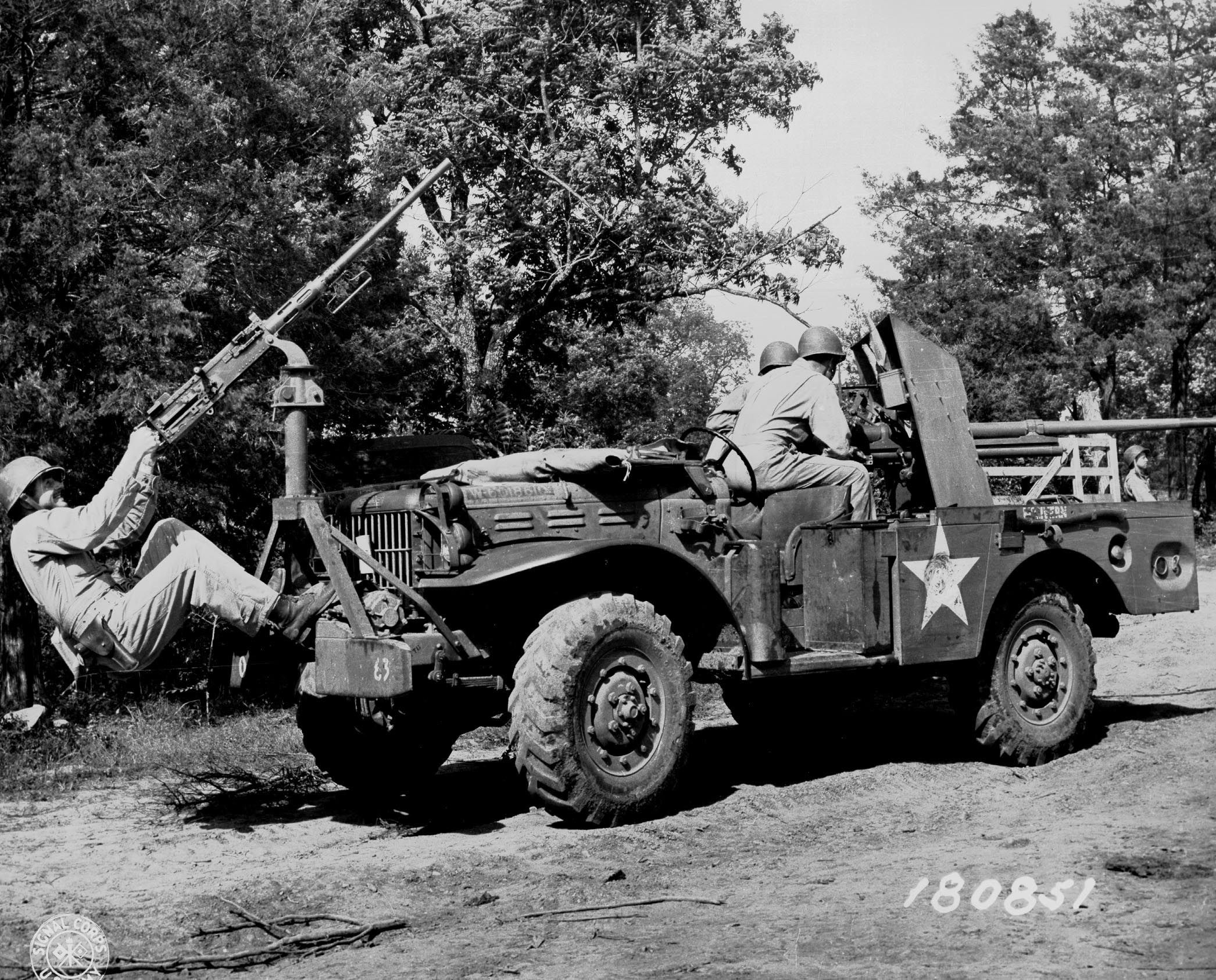 Dodge trucks in wwii - 37 Mm Gun M3 Mounted Aboard A M6 Gun Motor Carriage With Additional 50
