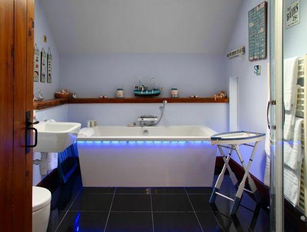 Nett Badewanne Rustikal ~ Rustikales bad badewanne integrierte led beleuchtung stilvoll