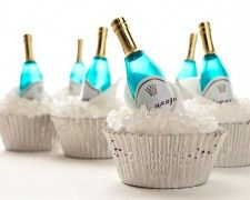Champagne Bottle Cupcake How-To