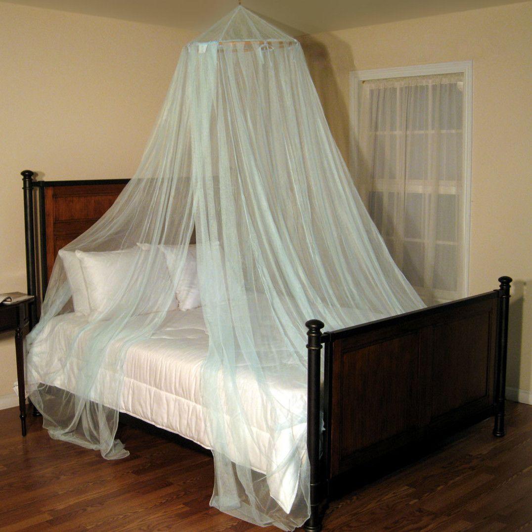 15. Lovely Canopy Beds