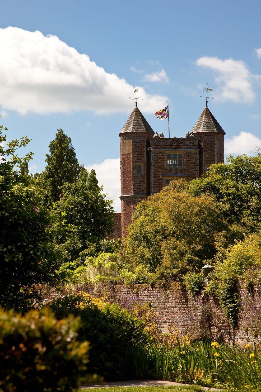 Sissinghurst Castle, Kent, England, the most wonderful, world famous ...