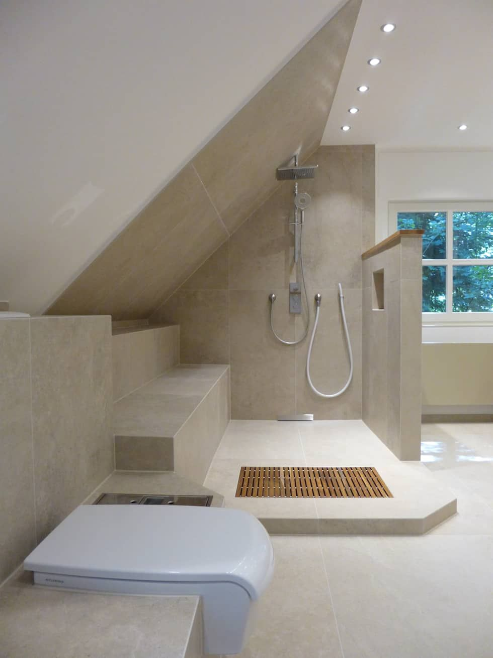 Wellness Bad Moderne Badezimmer Von Design Manufaktur Gmbh Modern Badezimmer Dachschrage Badezimmer Dachgeschoss Badezimmer