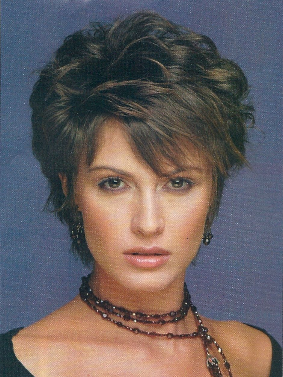 Layered Haircuts For Short Hair Over Hairstyles For Women Over ...
