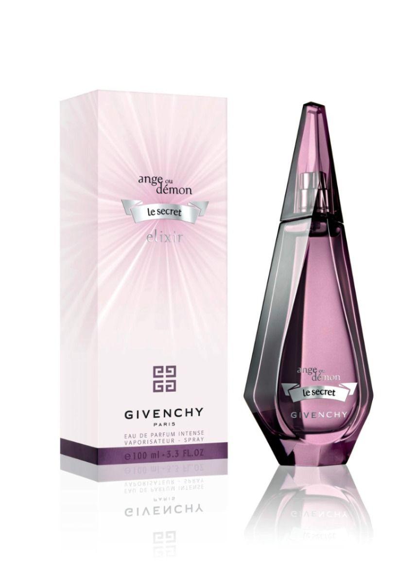 con perfume de mujer