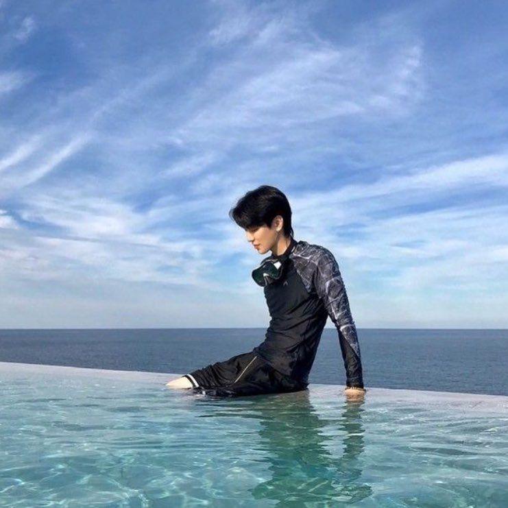 Фото корейца в воде