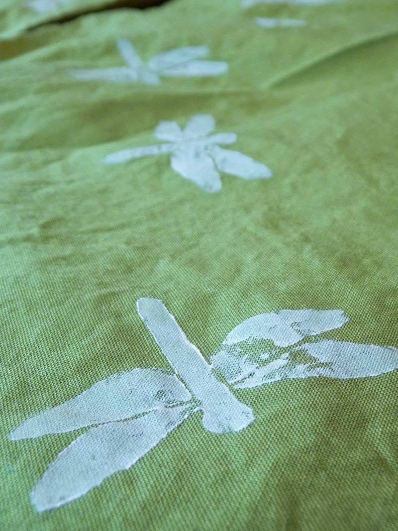 Meine grüne Wiese: Libellen auf Stoff