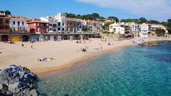 Gerona Spain Near The Border Of France Coachbarn Destinationinspiration