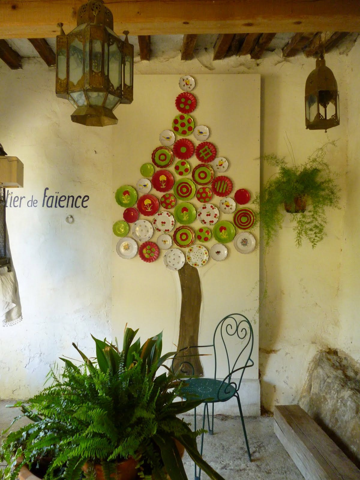 Christmas Tree On Wall With Plates Forming The Treehow Cute
