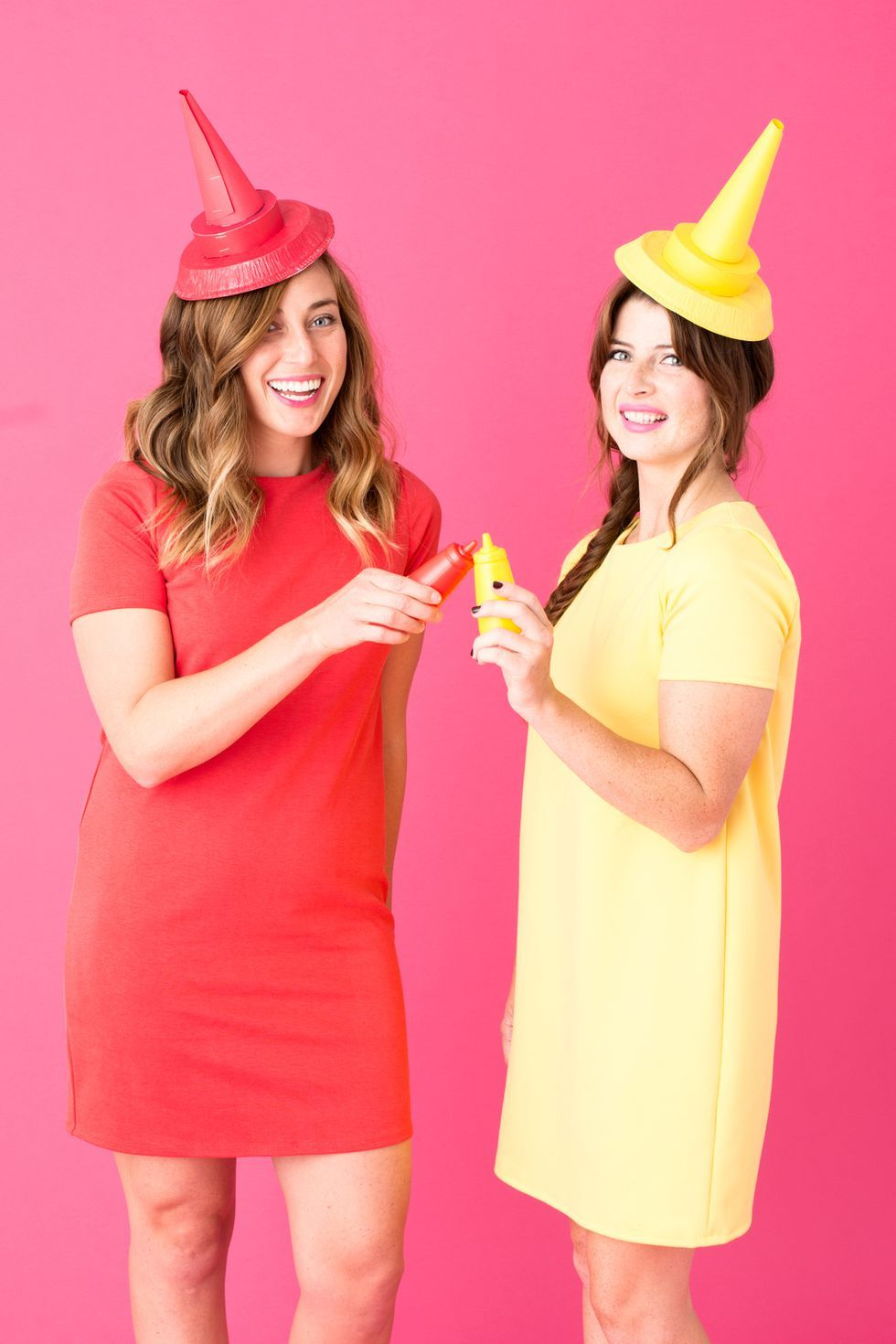 10 Last,Minute Halloween Costumes for You and Your Best Friend , Two Person  Costumes