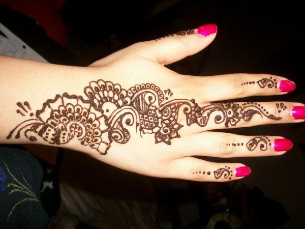 Simple Mehndi Tattoo Hands : Simple henna tattoo designs hennas and