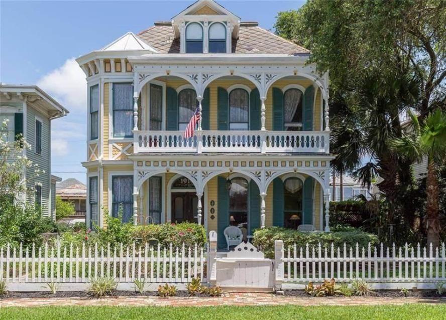 1887 victorian for sale in galveston texas home sweet house rh pinterest com