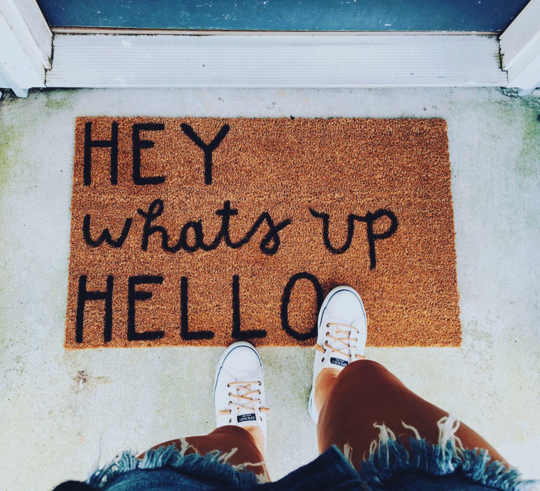 Photo of Artikel ähnlich wie Hey What's Up Hallo Fußmatte auf Etsy