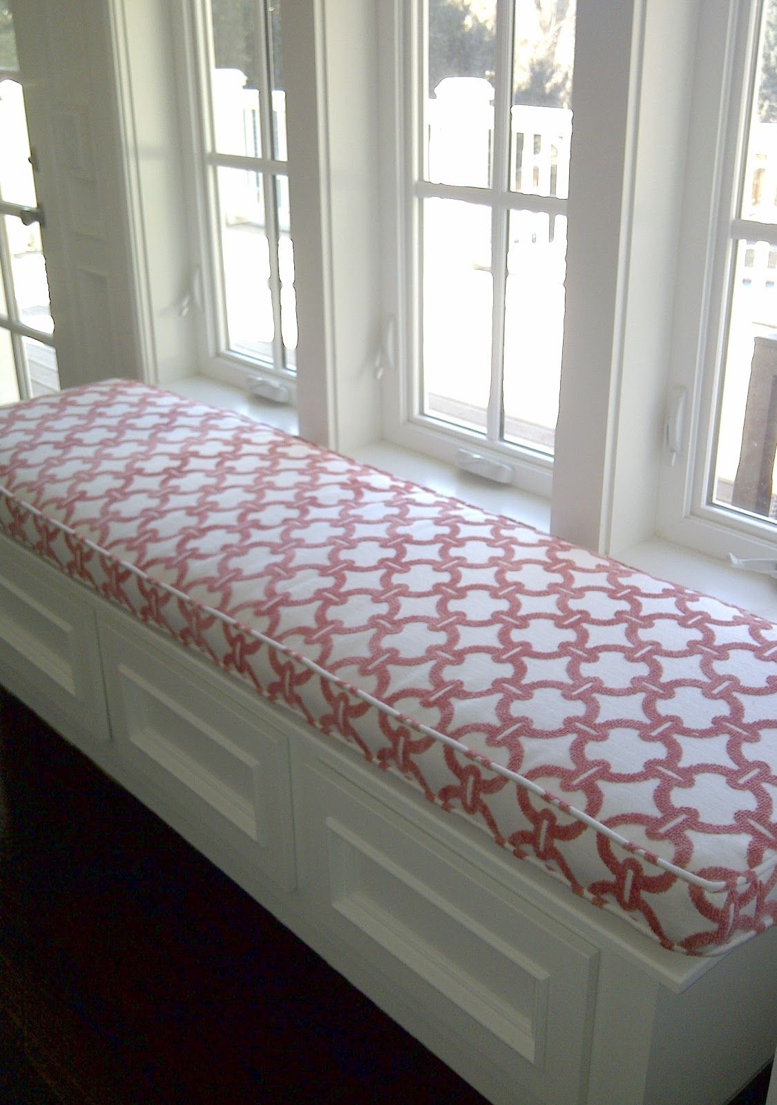 Built In Bench Bench Seat Cushion Many More Are Available Http Www Vickswoodworkingplans Com Indoor Bench Seating Bench Seat Cushion Window Seat Cushions