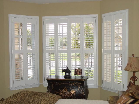 Jazz Up Your Living Room With Some Stylish Blinds Woman S