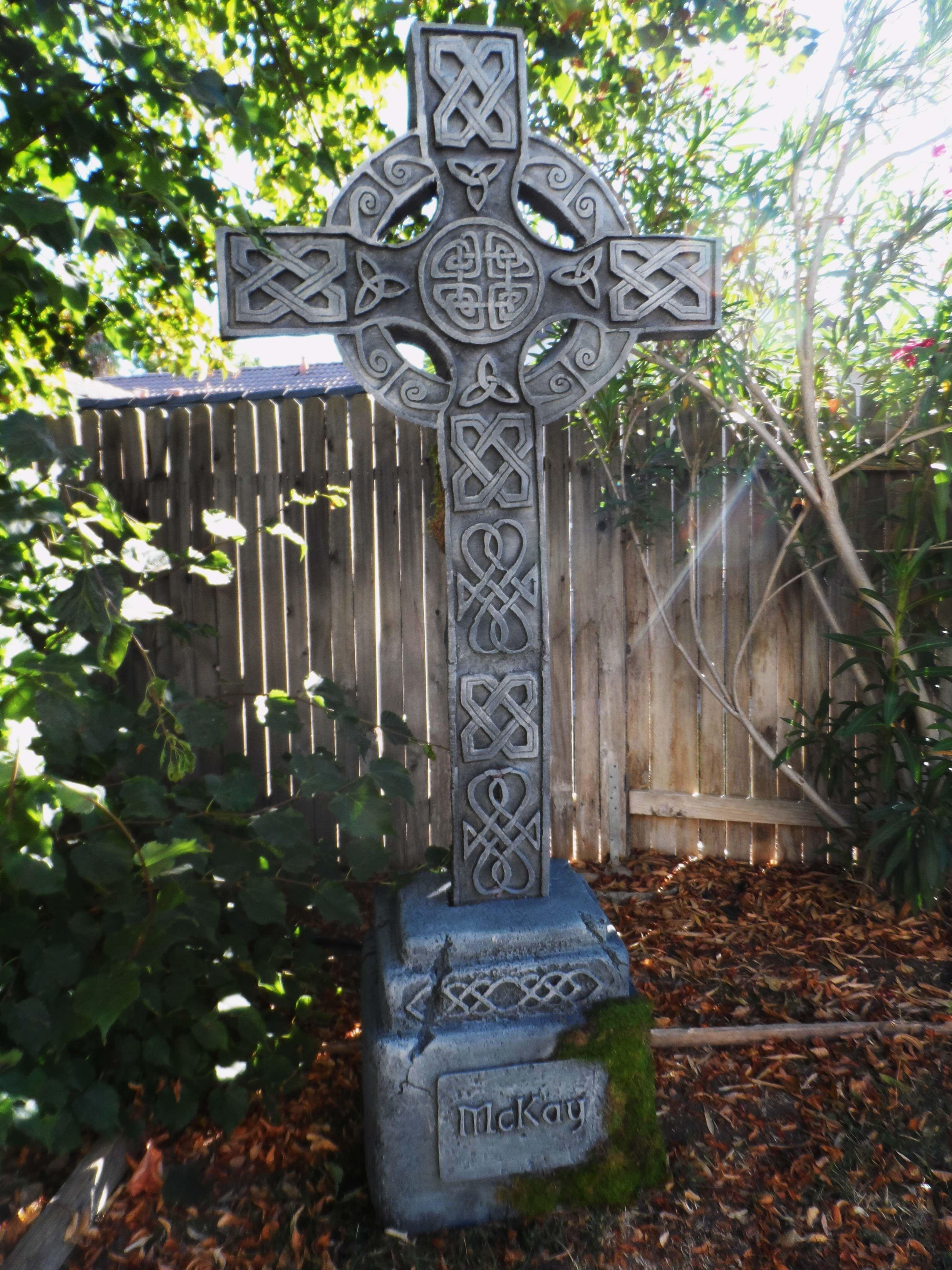 Amazing tombstone, celtic cross #Halloween Decorations - halloween decoration ideas for yard