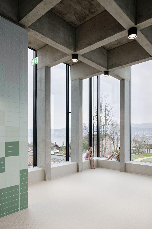 Baden im berg schwimmbad in erlenbach bei z rich - Schwimmbad architektur ...