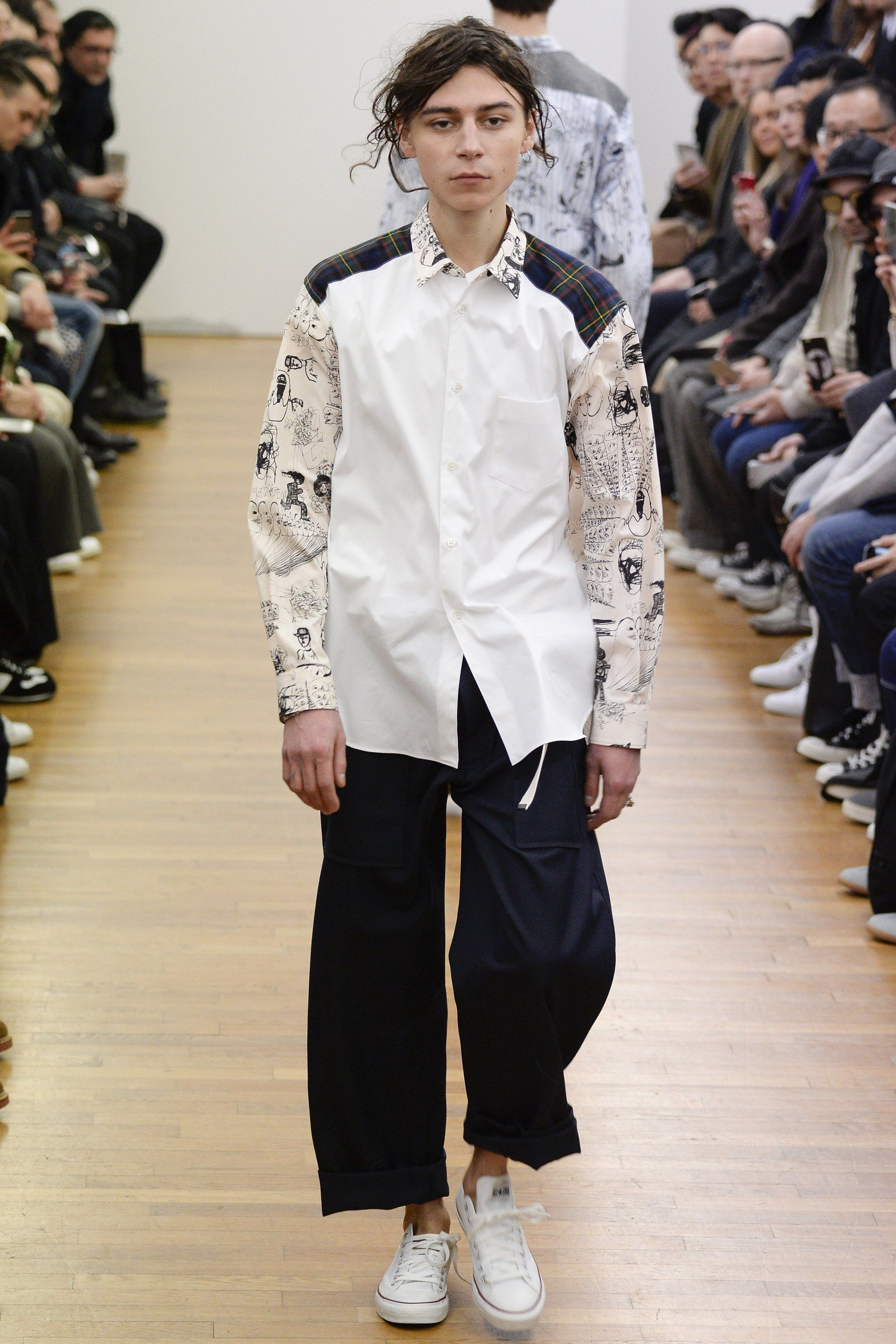 f9e7c616886bb6 See the complete Comme des Garçons Shirt Fall 2016 Menswear collection.