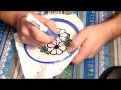Cómo bordar flores con aguja mágica