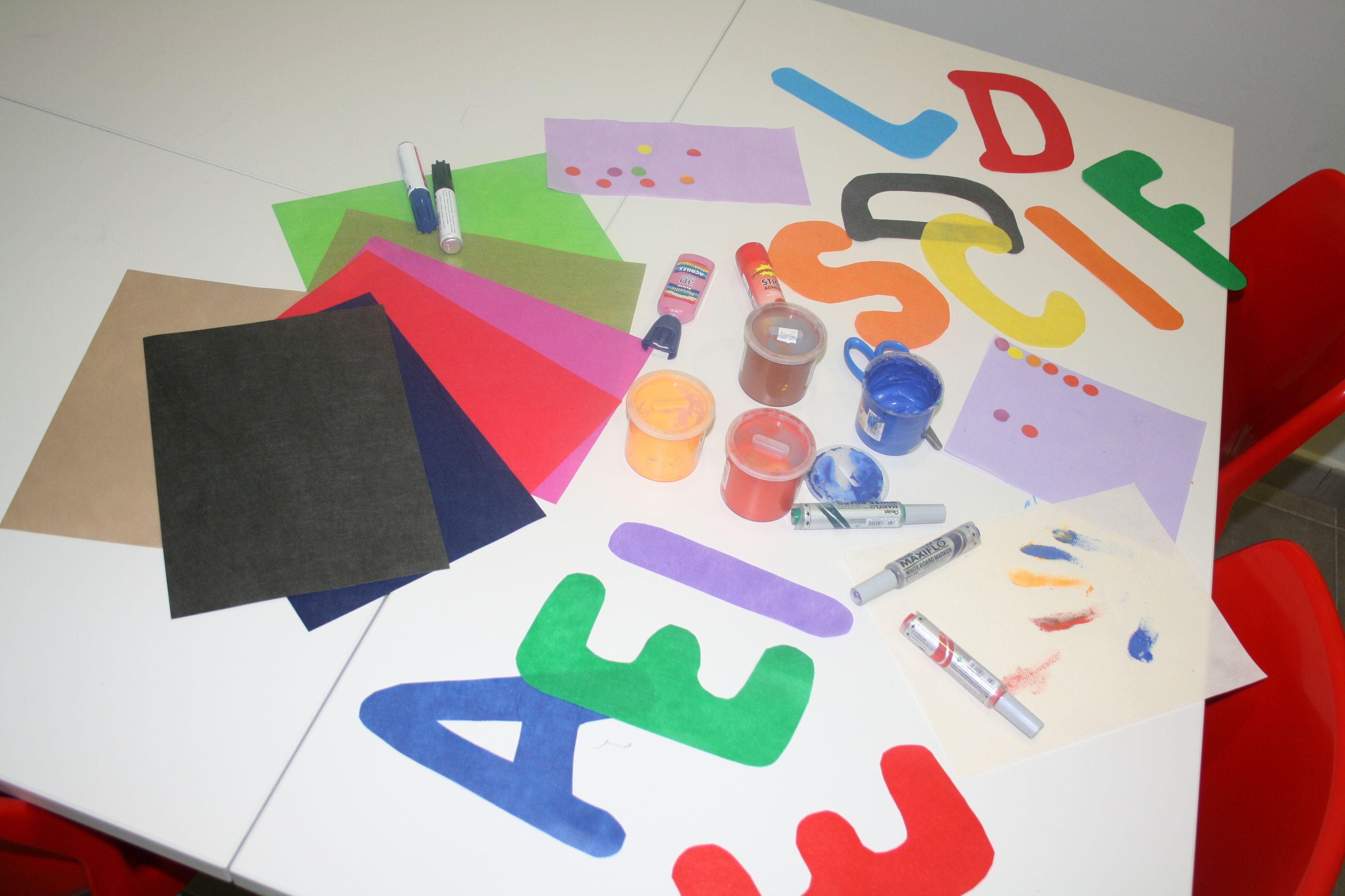 #MANUALIDADES Frases para desear un feliz cumpleaños, una bienvenida... Con tan solo un pack multicolor de formatos A3 de #Bondy, podrás realizar infinidad de mensajes en fiestas o en el colegio. #recortar letras #mediviertoconbondy www.dobondy.com