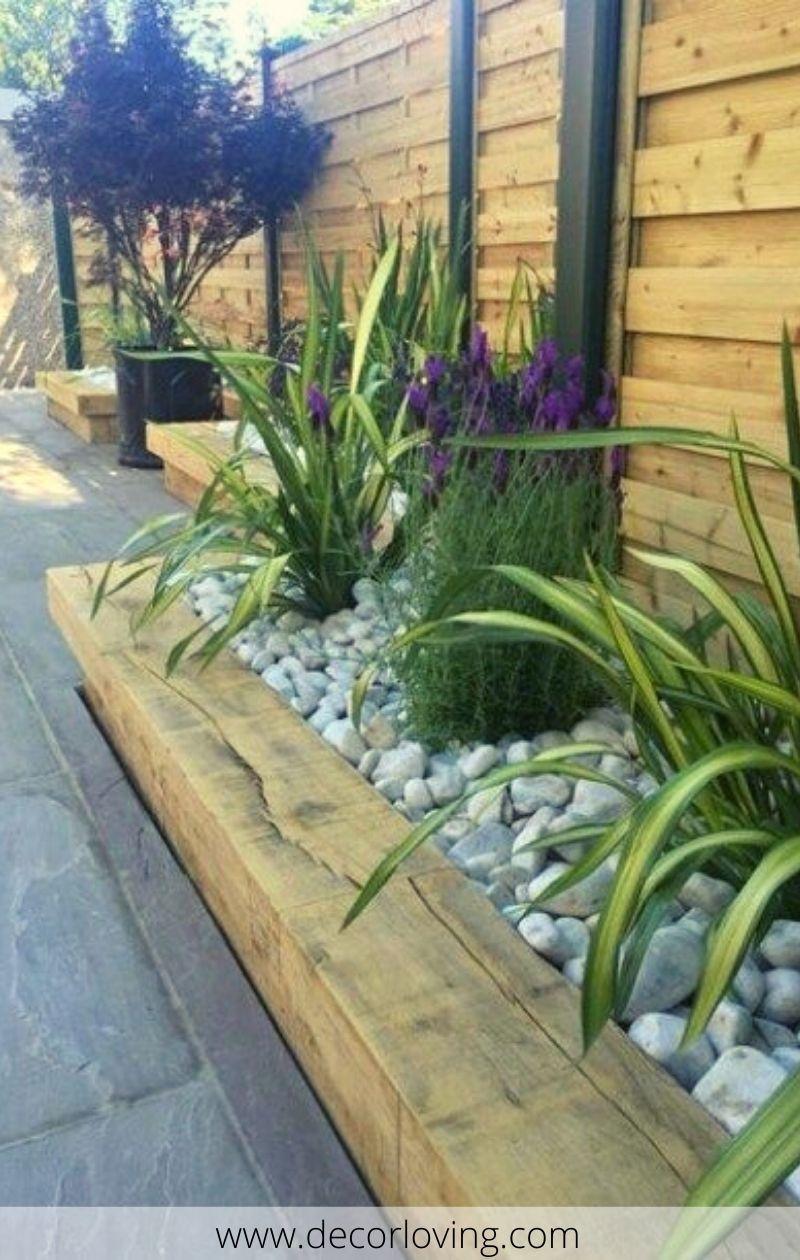 Wooden Garden Border Ideas To Decorate The Garden Wooden Garden Borders Garden Front Of House Garden Design
