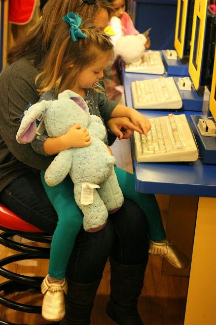 Five Tips For Taking Your Little One To Build A Bear{And leaving happy!}