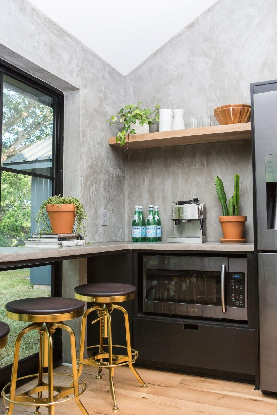 Fixer upper modern kitchen - Hgtv Fixer Upper Modern Kitchen Floor To Ceiling Windows With A Counter Counter