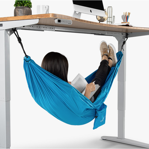 You Can Now Take A Nap At The Office With An Under Desk Hammock 12 Tomatoes Desk Hammock Uplift Desk