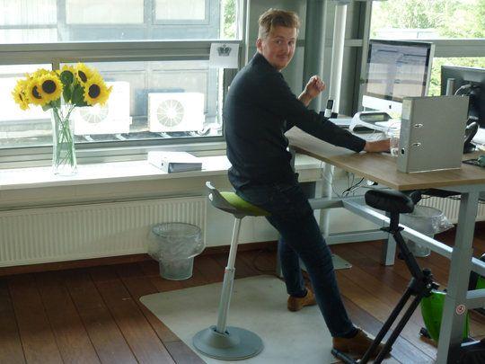 Sta Zit Stoel : Hoog zitten met de muvman zit sta stoel sport op werk