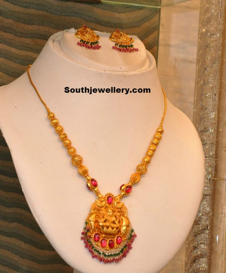 Gold Necklace With Lakshmi Pendant Photo Necklace In