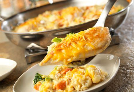 Campbell's Kitchen: Skillet Cheesy Chicken & Rice