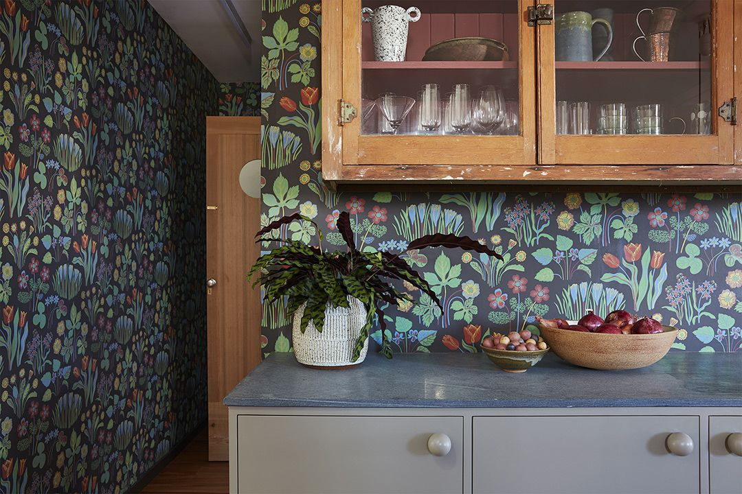 7 Antique Kitchen Cabinets That'll Inspire You to Thrift Shop