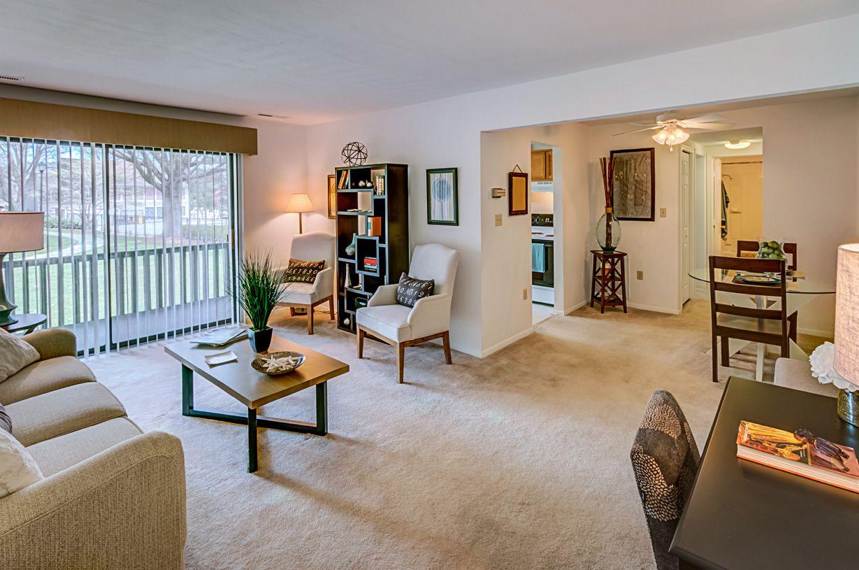 Foxridge Apartment Homes Blacksburg Va Apartment Living Renting A House Apartment Communities
