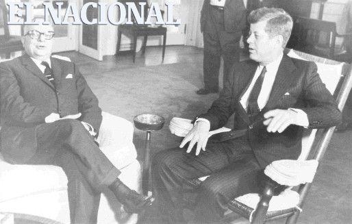 El presidente de Venezuela Rómulo Betancourt junto al Pte. de USA John Fitzgerald Kennedy. (ARCHIVO EL NACIONAL)