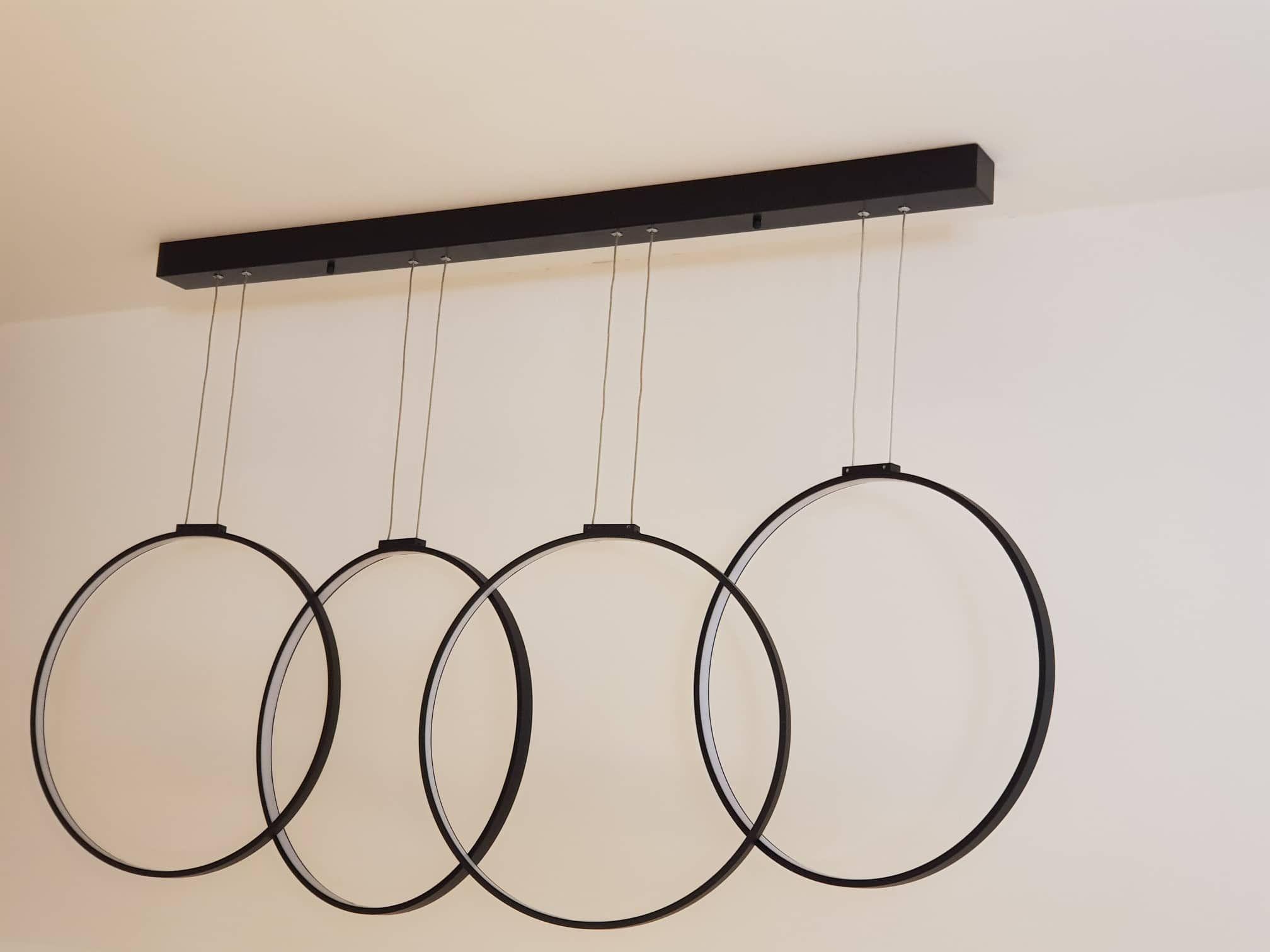 Dekorativna svetiljka kompanije Zambelis ( za sve ljubitelje cetiri prstena ;) ) .