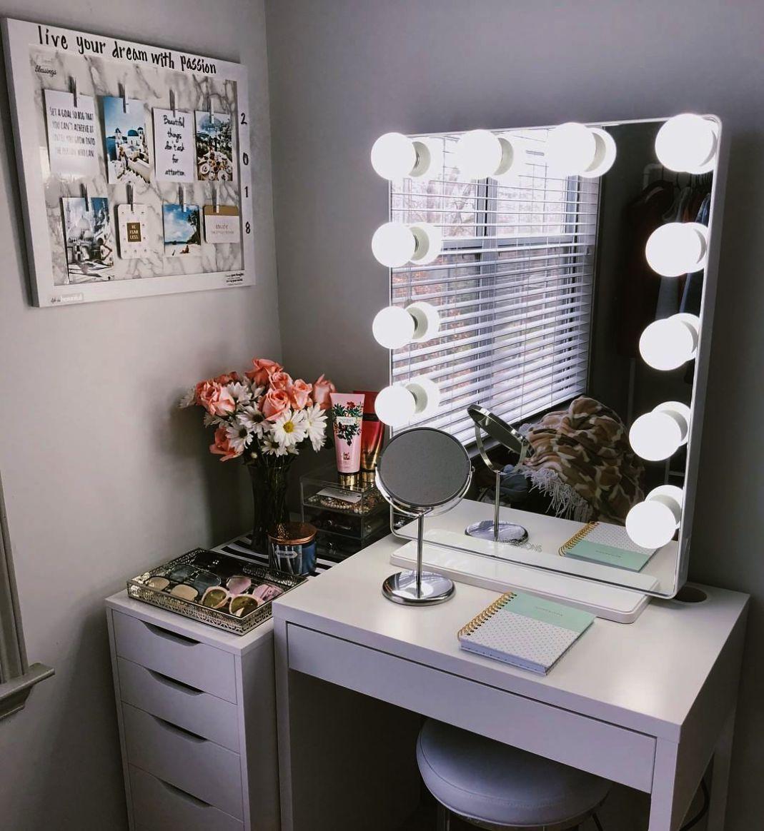 Makeup Artist Miami Despite Makeup Revolution Iconic Palette In Makeup B Idee Per La Stanza Da Letto Camera Da Letto Alla Moda Idee Arredamento Camera Da Letto