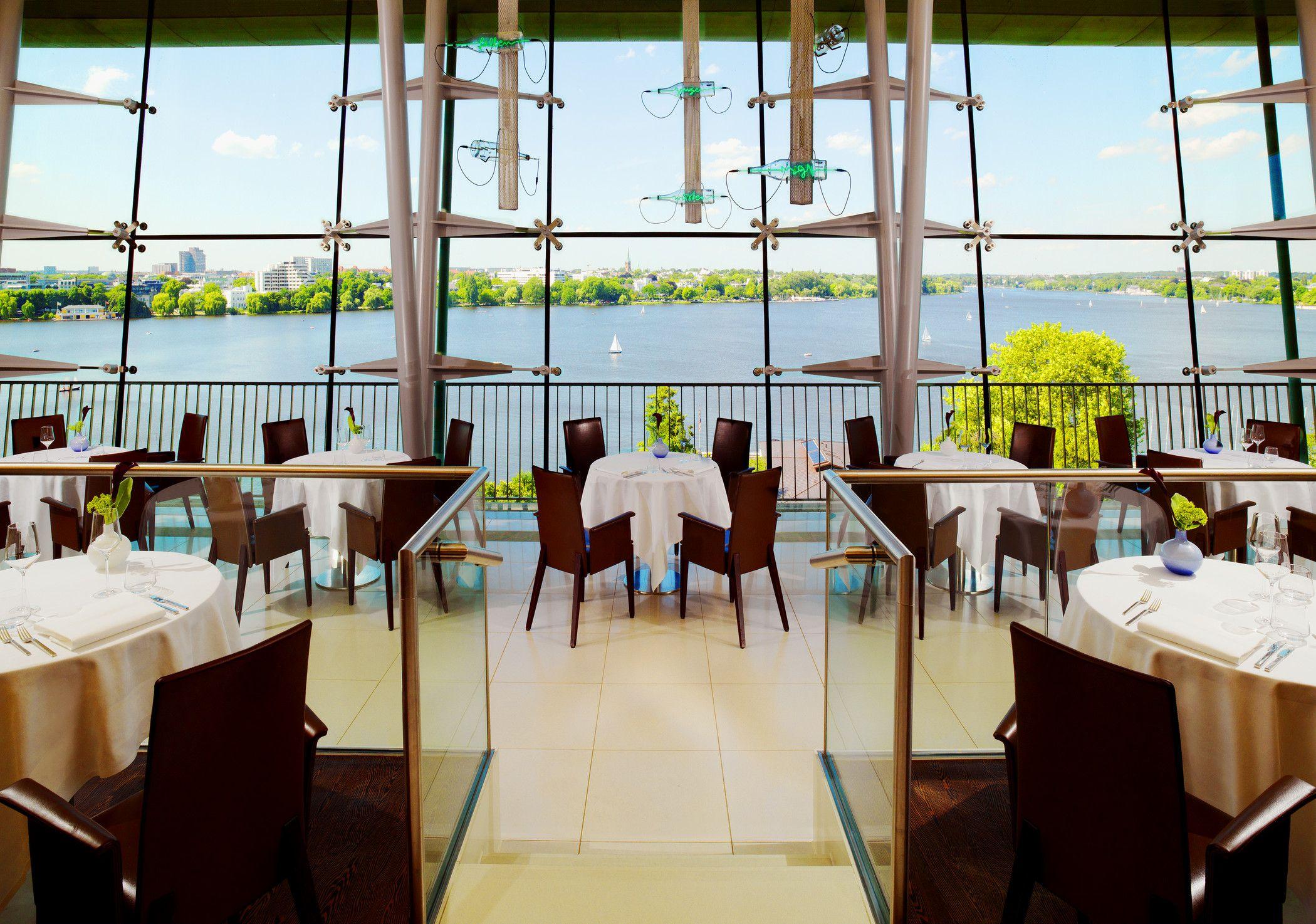 Le Ciel Restaurant et Bar, Hotel Le Meridien (St. Georg) - great view over the Alster Lake, good cocktails http://www.leciel.de/de/