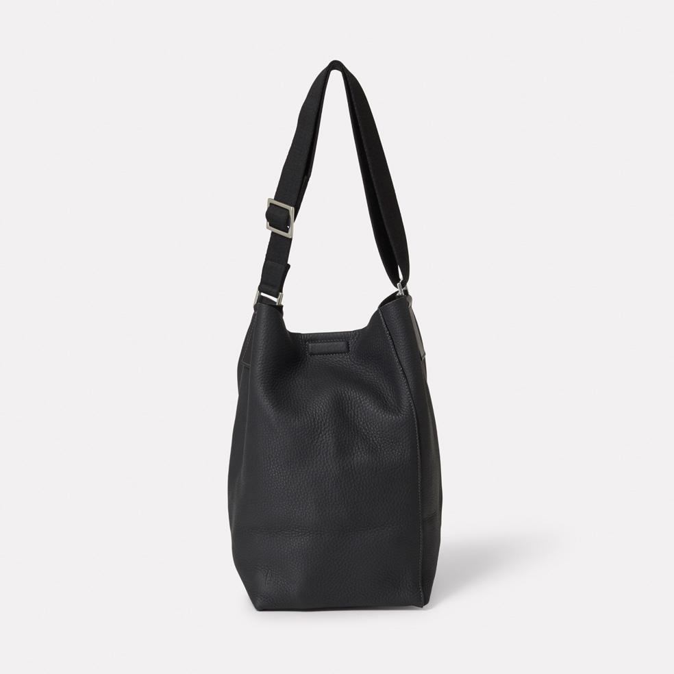 089104306ea7 Vivienne Rochelle Leather Bucket Bag in Black